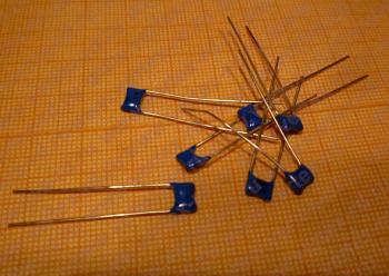 Конденсатор К10-17-1Б-М1500-1000ПФ